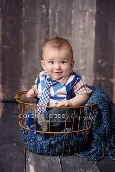 Caralee Case Photography.  Baby and Child Photographer.  Little boy.  6 months old.