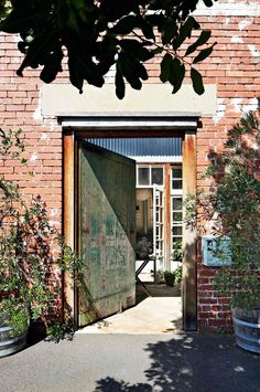 entry-house-industrial-gate