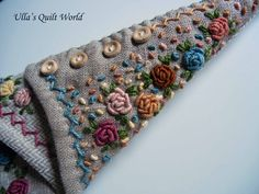 I added a tutorial how to make the rose.                    I have made the roses by hand.        Pattern