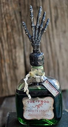 "Come and get your Halloween on with this ""Spooky Soldered Bottle"" class with Suzi Kaminsky.  Not only will Suzi teach you how to make this awesome spooky bottle with removable pendant, but she'll share tips and techniques for creating other fun items for our home."