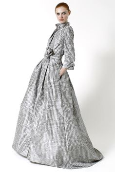 chlay: Because I love you & Carolina Herrera Pre Fall is pretty :) Estilo Fashion, Grey Fashion, Hijab Fashion, Fashion Dresses, Love Fashion, Fashion Design, Carolina Herrera Dresses, Hijab Stile, Ball Skirt