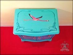 Pink Flamingos - Queen Anne - Table $350 artefacto.contact@gmail.com