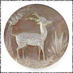 """Cerf-Daim-Chevreuil bouton - Deluxe Antique Carved Pearl Button Deer Scene Over 1"""" ...Sold for $84.50"""