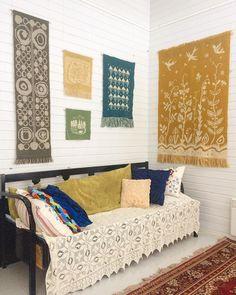 Täkänänurkkaus. #täkänä #perinnetekstiili #työhuone #traditionaltextiles #studio #oldtextile #interview #workspace #orientalcarpet Top Hashtags On Instagram, Wall Tapestries, Tapestry, Oriental Carpet, Furniture, Design, Home Decor, Wall Hangings, Hanging Tapestry