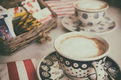 load-me-up:  Cappuccino by frankallanhansen on Flickr.