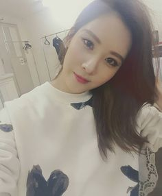 SNSD SeoHyun thanks fans with her beautiful SelCa picture