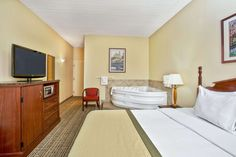 Baymont Inn & Suites Knoxville/Cedar Bluff suite in Knoxville, Tennessee