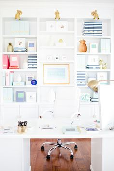 Bright, white office: http://www.stylemepretty.com/living/2015/09/09/behind-the-scenes-emily-ley/ | Photography: CIHI Photo - http://www.cihiphoto.com/