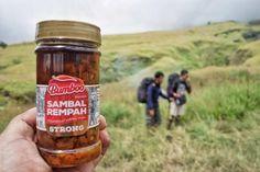 It aint right without my favorite sambal  #sambalpedas  #rinjanitrip #illfollowu #sambalrempah #bumboo #hiking #mountain #rinjani #lombok #indonesia #instabest #instagood #chili #rempah #makansampegendut #hashtagajaterus #apalagiyah @bumboo.kitchen by hardiantosan