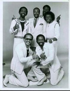 Marvin Gaye taking a moment to get a pic with the Commodores. Don't see Lionel Richie so it must've been after he left I'm assuming. Lot of soul in that pic right there...