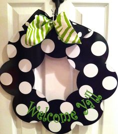 cute for front door, want to make one with brown/blue or maybe garnet/gold