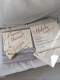 Hochzeitseinladung im Vintage Look mit Spitzenborte und Kordel. Infos für Hotel und Rückantwortkarte werden eingelegt