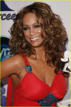 Tyra Banks (1973) is an American supermodel, actress and television personality ⭐⭐⭐⭐⭐