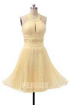 Robe de cocktail mi-longue jaune clair col américain bustier découpé embelli de bijoux et jupe plissé