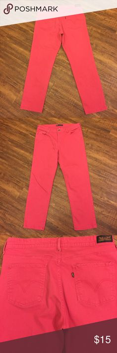 Pink Levi's! Amazing pink mid rise skinny Levi's. Great color, denim has some stretch! Excellent used condition! Levi's Jeans Ankle & Cropped