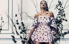 LE FASHION BLOG BALENCIAGA SS 2014 AD CAMPAIGN MODEL DARIA WERBOWY BY STEVEN KLEIN SPRING SUMMER COLLECTION SHORT BLEACH BLOND HAIR PIXIE CU...