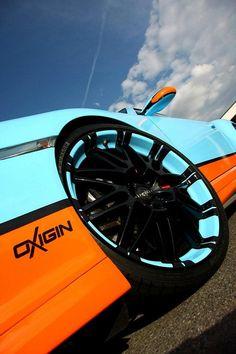 porsche-911-gets-gulf-livery-and-oxigin-wheels-medium_3