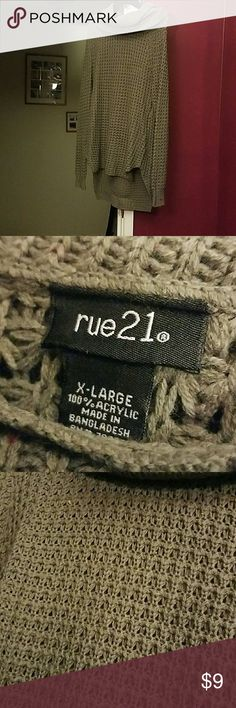 Rue 21 cable knit sweater New, only wore 1 time! Fits like a large. Great for winter *size xl* Rue 21 Sweaters Cowl & Turtlenecks