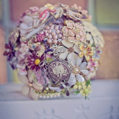 Www.designmevintage.com Omg this place has the most amazing bouquets they're breathtaking!
