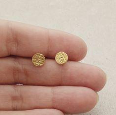 Minimalist gold stud earrings, Round stud earrings, Everyday posts. Small Earrings, Circle Earrings, Unique Earrings, Etsy Earrings, Long Silver Necklace, Sterling Silver Earrings Studs, Gold Earrings, Minimalist Earrings, Minimalist Jewelry