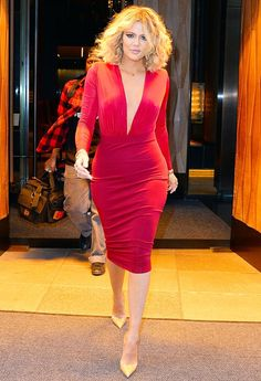 Khloe Kardashian showed off her insanely fit body in NYC — see the shocking photos!