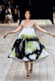 See the complete Alexander McQueen Spring 1999 Ready-to-Wear collection.