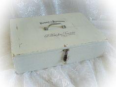 Vintage Aufbewahrung - Shabby Vintage Kiste 'Serrurerie' - ein Designerstück von Dragonflys-Home bei DaWanda