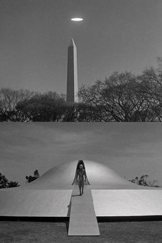 The Day the Earth Stood Still dir. Still a landmark in cinematic science fiction excellence. The 2008 version doesn't even approach it in quality or effectiveness. Fantasy Movies, Sci Fi Fantasy, Sci Fi Horror, Horror Movies, Space Odyssey, Ufo, Classic Sci Fi Movies, Sci Fi Films, Bd Comics