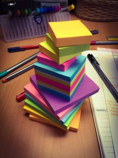 ahopelessmiracle:I was bored so I made a tower of Post-Its.
