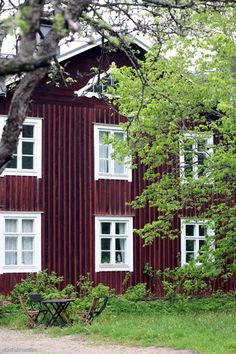 .a Finnish old house in the coyntry