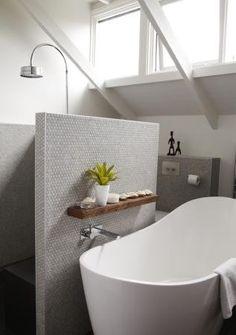 Bathroom - no shower screen