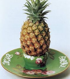 Spode pineapple stand (nice piece on this: spodehistory.blog...)