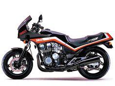 This photo is genuinely an outstanding design technique. Motos Honda, Honda Motorbikes, Honda Cbx, Honda Bikes, Cafe Racer Honda, Cafe Bike, Cafe Racers, Motorcross Bike, Trike Motorcycle
