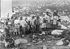 Inuit women and children - 1919