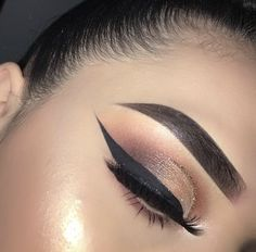 Metallic Eyeshadow with winged liner
