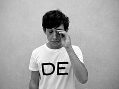 Submarine actor Craig Roberts learning the discipline of dressing easy