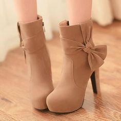 Pretty in Boots – Bow-accent Platform Heeled Boots'