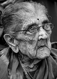 the effects of ageing are amazing - what changes this lady will have lived through in her life