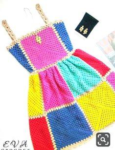 a combination of sundress motifs Crochet Crafts, Crochet Yarn, Crochet Projects, Knit Crochet, Booties Crochet, Crochet Clothes, Diy Clothes, Crochet Designs, Crochet Patterns