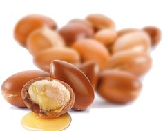 Boosting Immunity  Argan oil strength the immune system. This is due to argan oil's powerful antioxidants that work to stimulate proper immune function.