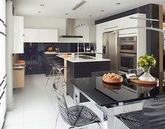 On ose trois tons dans cette cuisine!  | Les idées de ma maison © TVA Publications | Photo: Yves Lefebvre