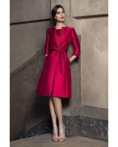 """99 curtidas, 3 comentários - Raffaello by ASseleccion (@raffaello_byasseleccion) no Instagram: """"Elegancia en un conjunto total look rojo, combinado con casaca, perfecto para estas bajas…"""""""
