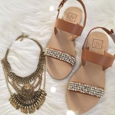 Dolce Vita Tan Crystal Sandal Chic and elegant Dolce Vita tan sandals with crystal embellished front strap. Brand new with box. Perfect for your distressed shorts or spring dresses. Dolce Vita Shoes Sandals