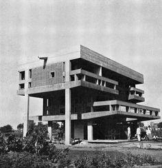 Chinubhai House, Ahmedabad, India, 1960 (Vastu Shilpa Architects)