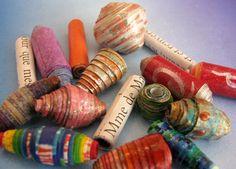 Surtido de bolas de papel.  http://www.ilovepaperbeads.com/  - would be fun in clay too