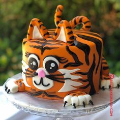 50 Tiger Cake Design (Cake Idea) - October 2019 Best Picture For Cake Design logo For Your Taste You are looking for something, and it is going to tell you exactly what you are looking for, and you di Cheetah Birthday Cakes, Cheetah Cakes, Birthday Cake For Cat, Animal Birthday Cakes, Birthday Cakes For Men, Purple Birthday, Baby Birthday, Cake Design For Men, Tiger Cake