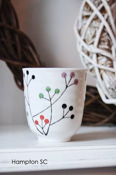 Cerámica japonesa by lenore - Adnan Beg Ceramic Cups, Ceramic Pottery, Ceramica Artistica Ideas, Tassen Design, Keramik Design, Pottery Painting Designs, Pottery Videos, Paint Your Own Pottery, Art Diy