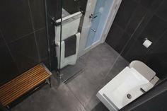 The Block Sky High: Room Reveal: Alisa + Lysandra's ensuites Grey Floor Tiles, Grey Flooring, The Block Glasshouse, Bathroom Inspiration, Bathroom Ideas, Steam Room, Towel Rail, Black Walls, Glass House