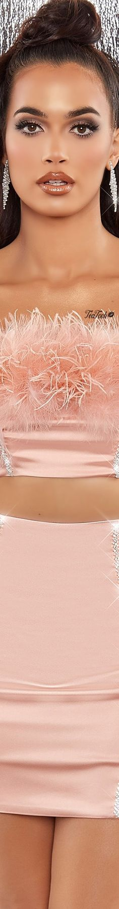 Pink Fashion, Fashion Brand, Women's Fashion, You Are Wonderful, Feather Fashion, Be A Nice Human, Pink Outfits, Color Shades, Beauty Queens