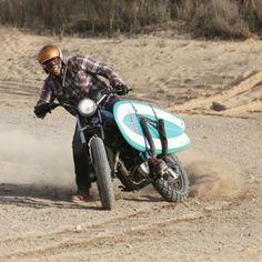 Wheels and wave. Honda Motorcycles, Cars And Motorcycles, Desert Sled, Motorcycle Style, Dirt Bikes, Surf Girls, Cool Bikes, Motorbikes, Skateboard